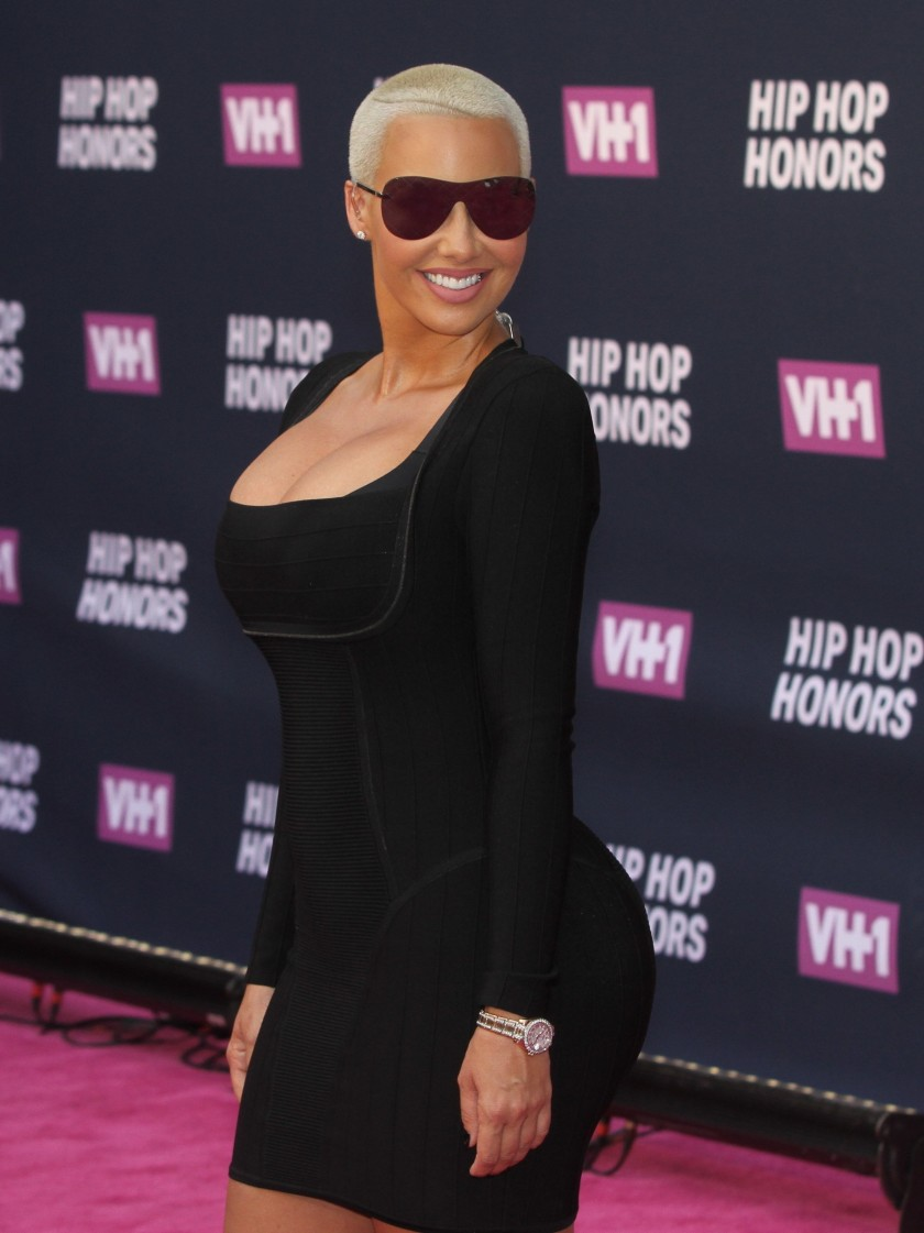 AMBER ROSE IN A BLACK MINI DRESS