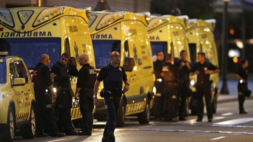 BARCELONA POLICE WITH YELLOW VANS