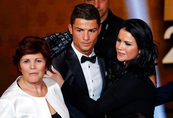 CRISTIANO RONALDO & HIS MOTHER AND SISTER