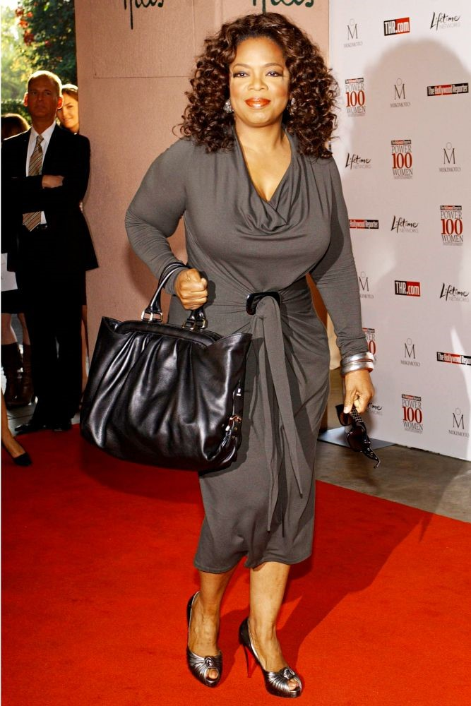 OPRAH IN A TAUPE DRESS