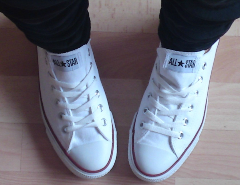 WHITE SNEAKERS#3