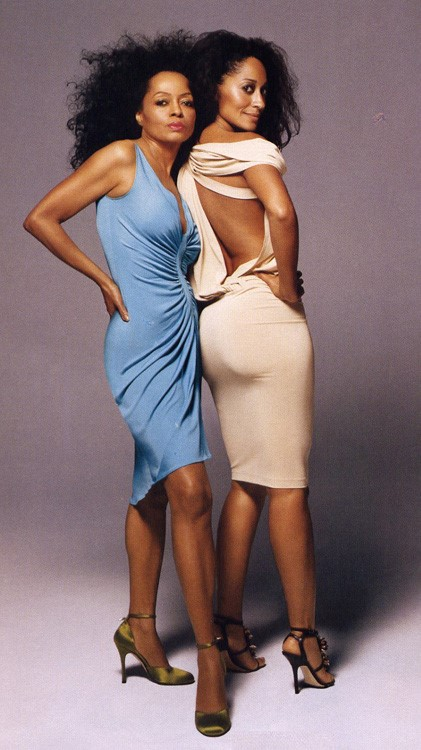 DIANA ROSS AND TRACEE - ELLIS ROSS POSING