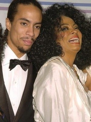 DIANA ROSS & ROSS NAESS AT A PARTY.jpg