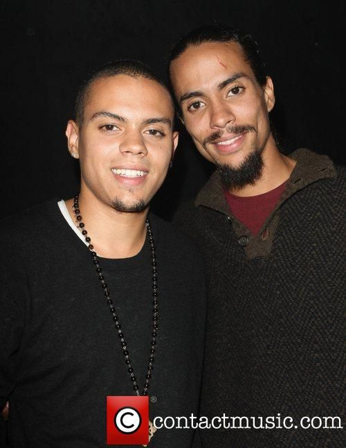 DIANA ROSS` SONS EVAN & ROSS NAESS AT A CONCERT.jpg