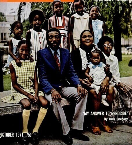 DICK GREGORY AND HIS WIFE LILLIAN GREGORY & THEIR CHILDRENjpg