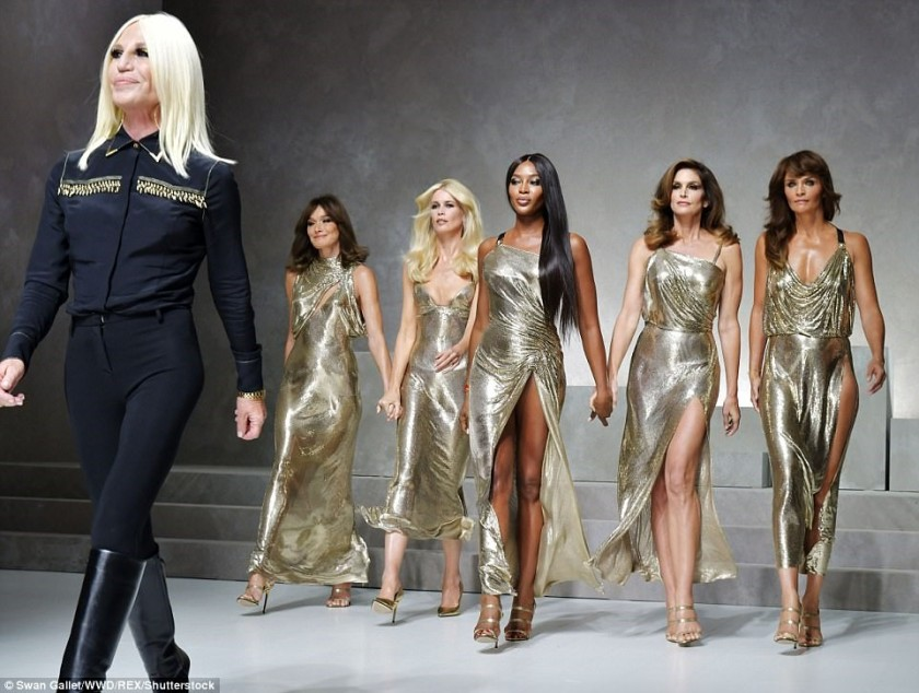 DONATELLA VERSACE LEADING THE SUPER MODELS IN 2017
