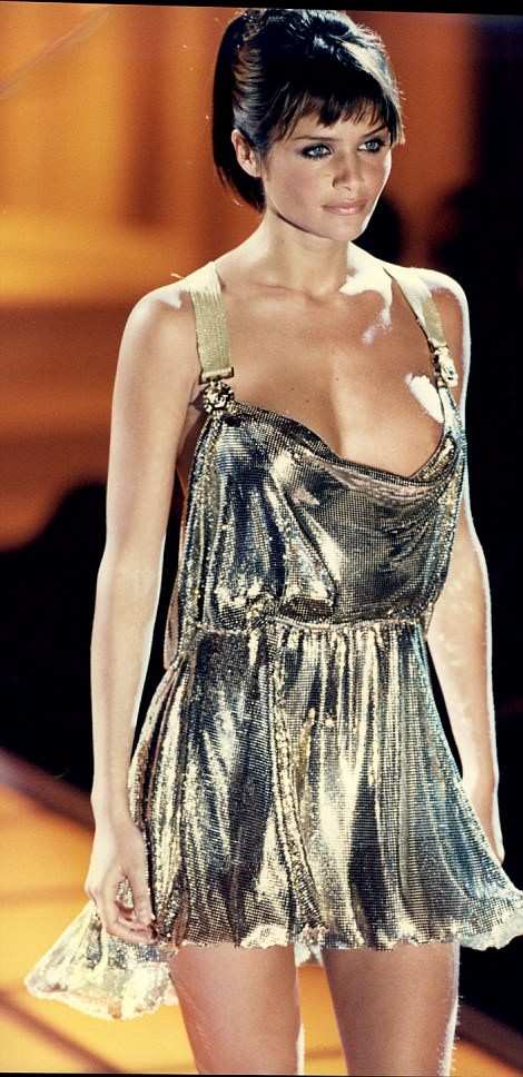 HELENA CHRISTENSEN WEARING A VERSACE GOLD LAME GOWN IN 1994