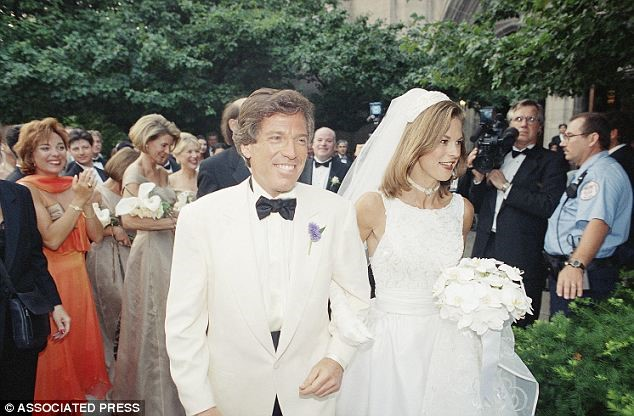 HUGH HEFNER & HIS DAUGHTER CHRISTIE, ON HER WEDDING DAY TO WILLIAM MAROVITZ IN 1995#2