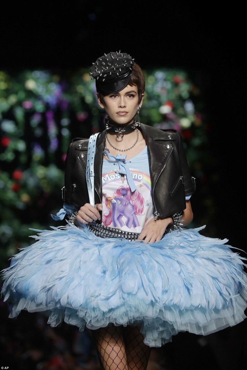 KAIA GERBER IN A BLUE FEATHERED MOSCHINO TUTU