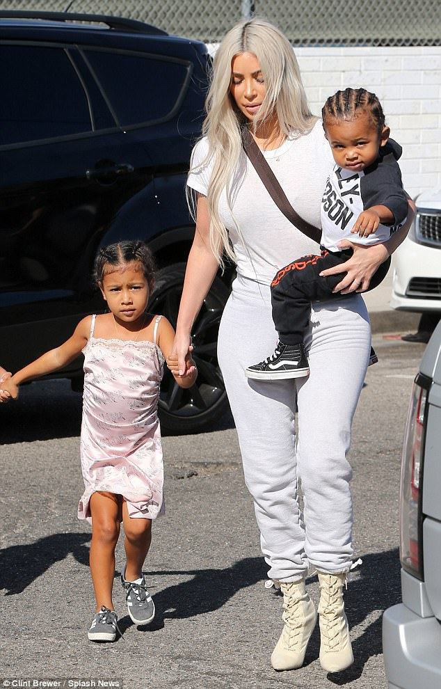 KANYE WEST & KIM KARDASHIAN & THEIR KIDS#4