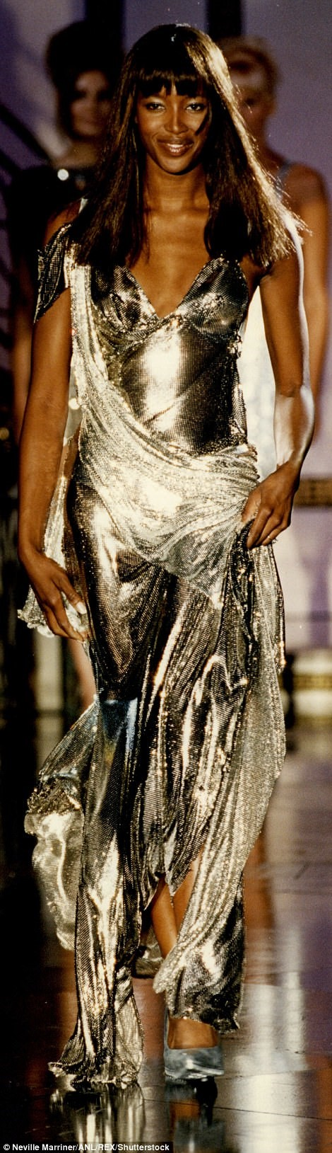 NAOMI CAMPBELL YOUNG ON THE CATWALK