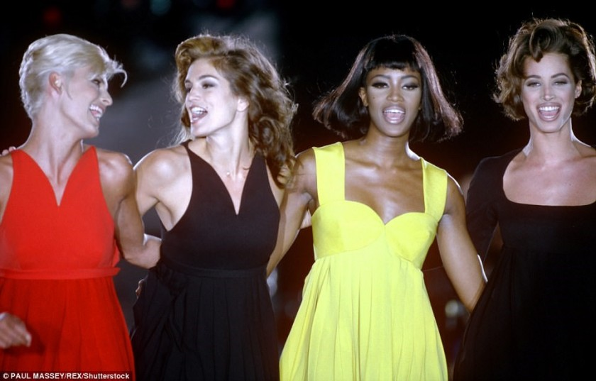 NAOMI, CINDY, CHRISTY AND LINDA AT A VERSACE SHOW IN 1991