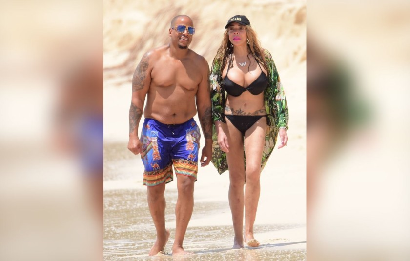WENDY WILLIAMS & KEVIN HUNTER WALKING AT THE BEACH TOGETHER#1