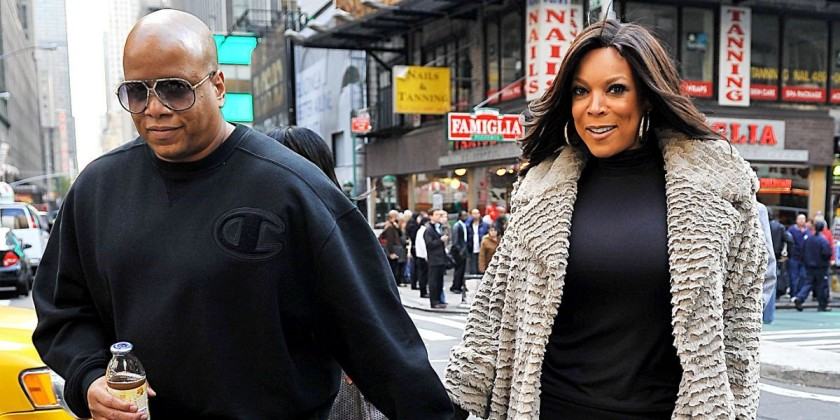 WENDY WILLIAMS & KEVIN HUNTER WALKING DOWNTOWN#1