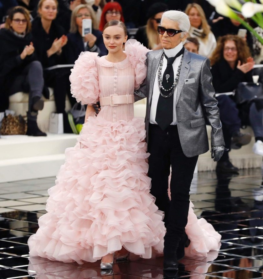 CHANEL LILY ROSE DEPP WITH KARL LAGARFELD AT SS18