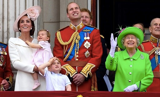 QUEEN ELIZABETH AND PRINCE WILLIAM FIGHT OVER KATE MIDDLETON