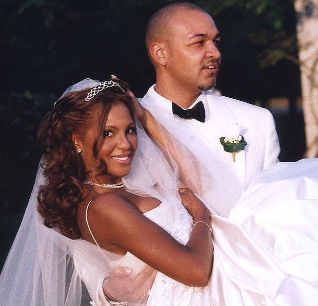 TONI BRAXTON IN 2001 WHEN THEY GOT MARRIED.jpg.png